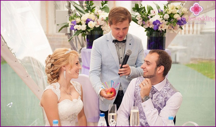 How to place the newlyweds at the wedding table