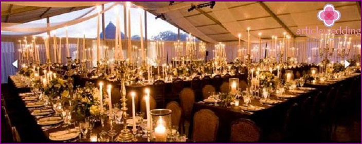 How to accommodate a large number of guests at a wedding
