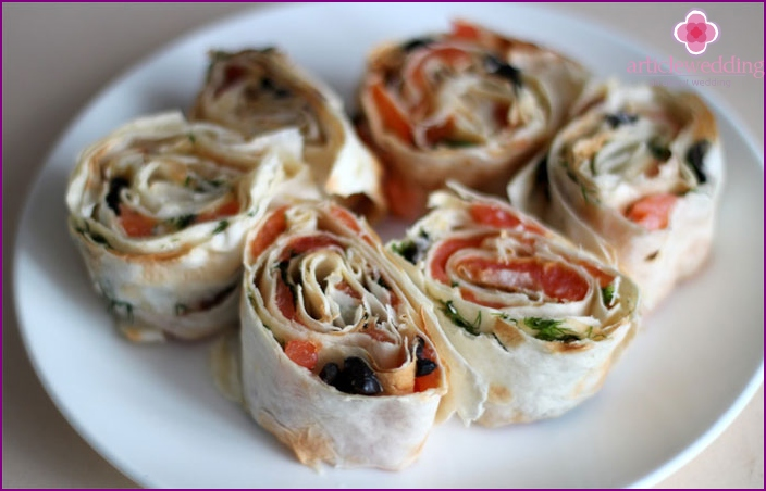 Wedding picnic rolls
