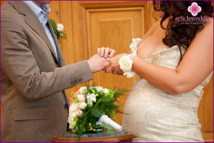 During pregnancy, a couple will be signed in one day