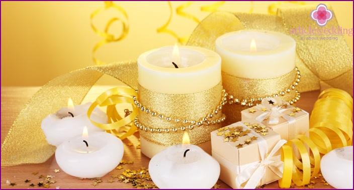 Goldene Hochzeitskerzen