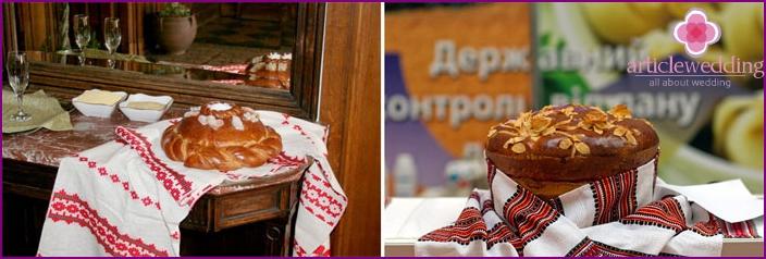 Hochzeitstuch und Laib für ukrainische Hochzeit