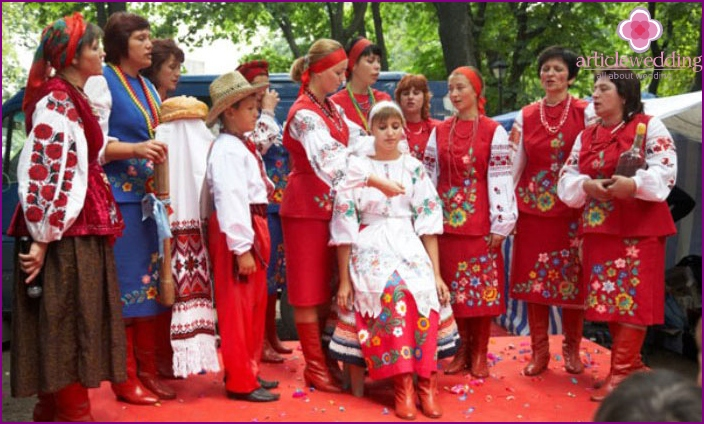 Ukrainischer Ritus mit Zopfweberei