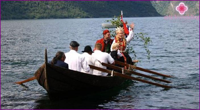 Norwegian wedding boat
