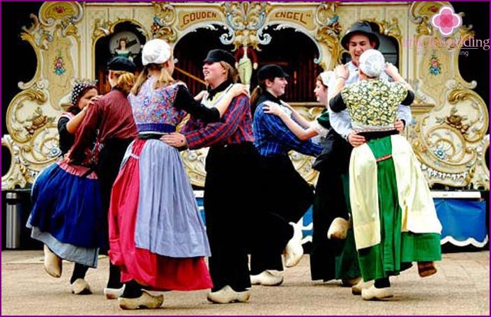 Traditional Dutch Wedding Dance