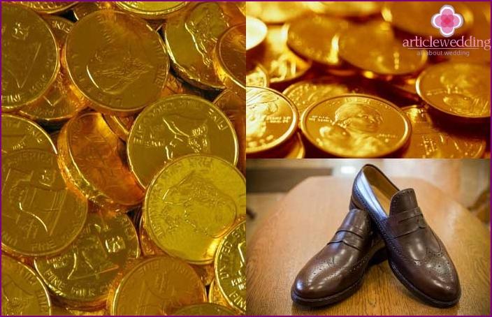 A good wedding sign - gold coins