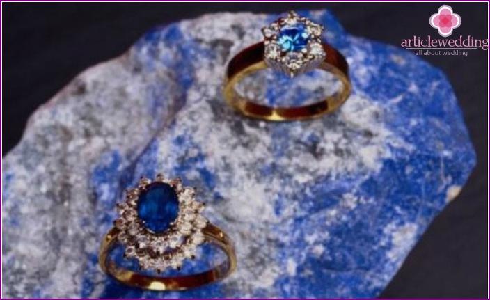 Anniversary sapphire stone rings