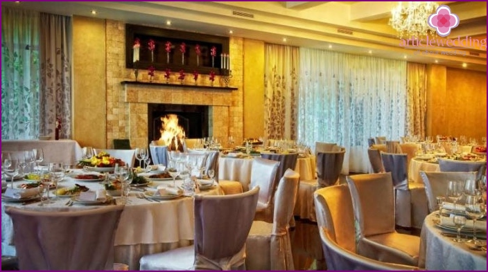 Example of setting up a diamond wedding banquet hall