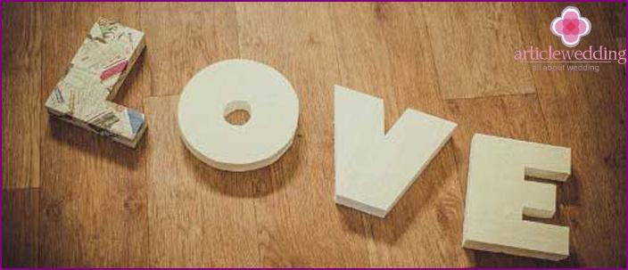 Foam volumetric letters for a wedding