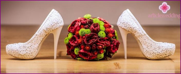 Hochzeitsfotoshooting im Erdbeerstil