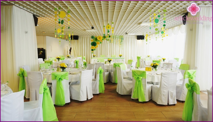 Room decoration for the emerald anniversary