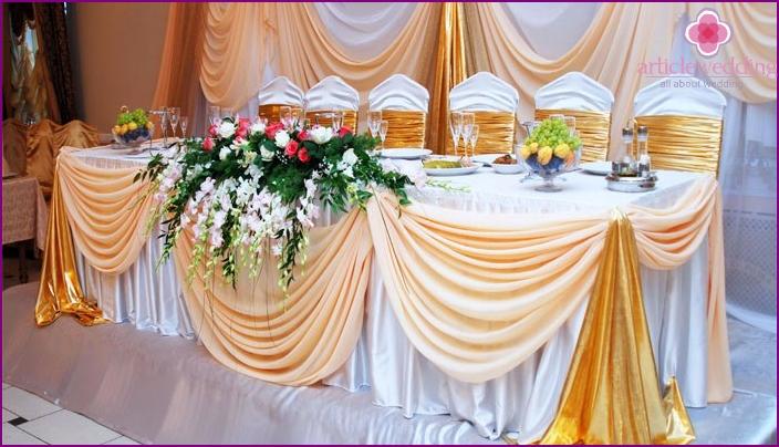Die Möglichkeit, die Halle für ein Diamant-Jubiläum zu dekorieren
