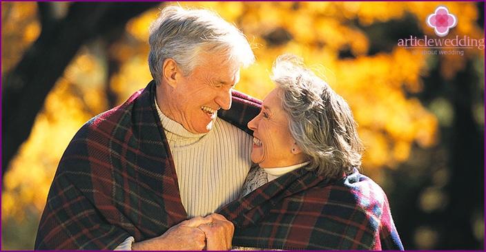 Aviopuolisoiden flanellilelut perheen 43. vuosipäivää varten