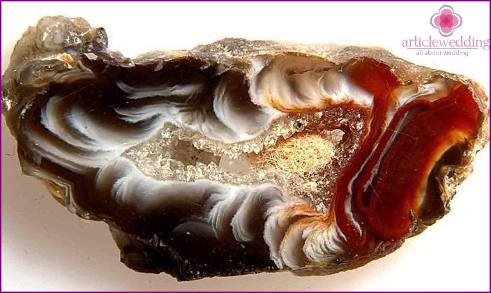 Agate: Symbol of 36th Wedding Anniversary