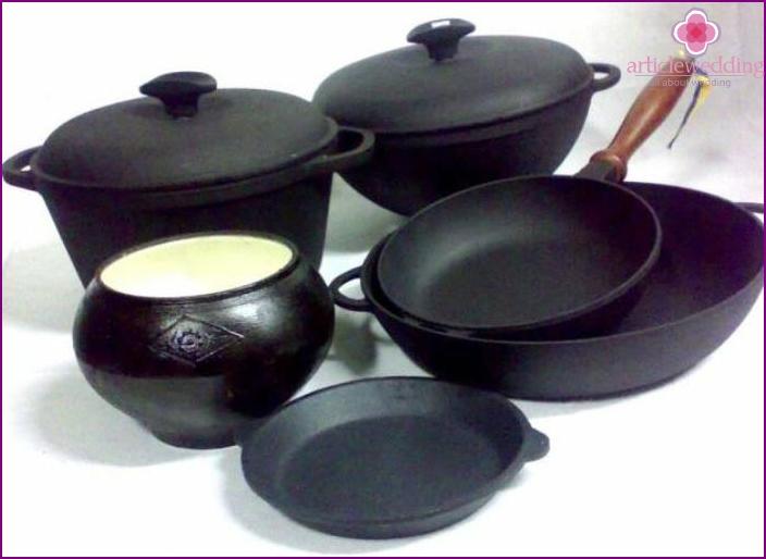 Manicured Cast Iron Cookware