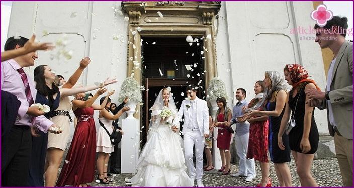 Newlyweds leave the church