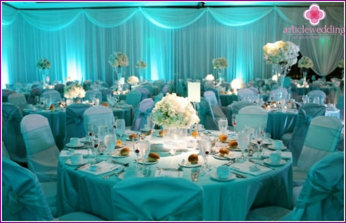 Hall decoration for the eighteenth anniversary of the wedding