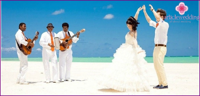 Musicians for a Maldivian wedding