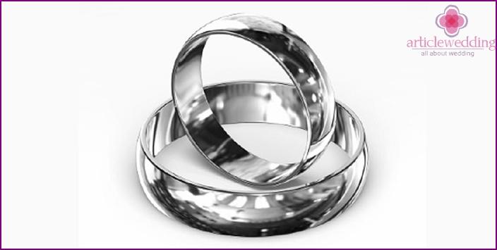 Spouses change silver rings