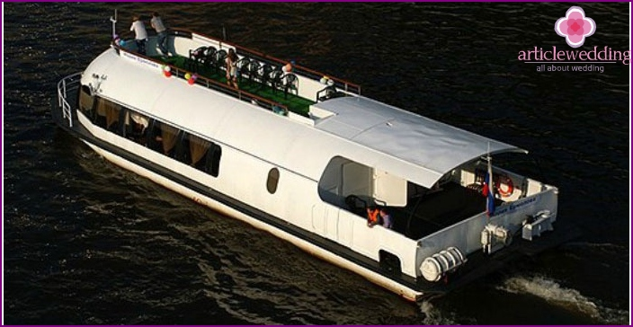 Motor ship Maria Ermolova for a wedding