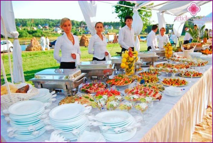 Catering für eine Hochzeit in der Natur