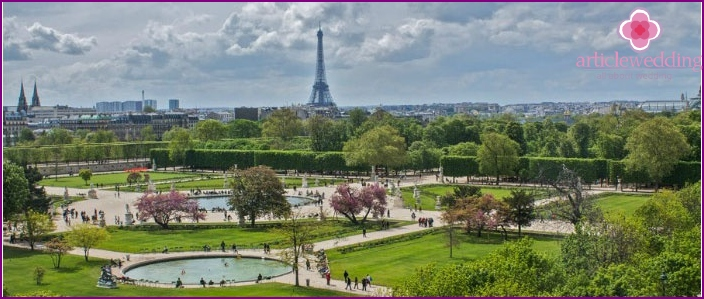 Picturesque Garden of Paris - Tuileries