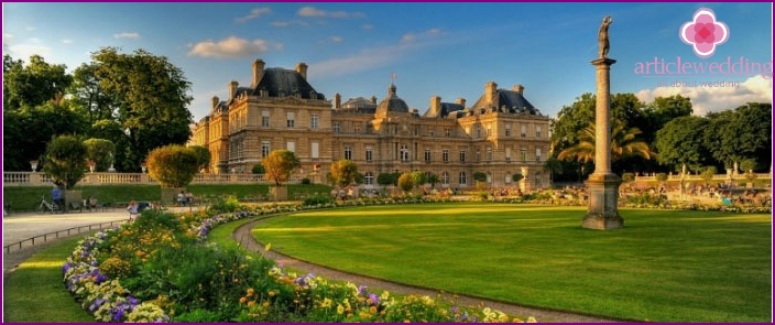 The magnificent Luxembourg Palace of Paris