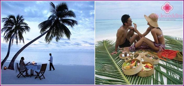 Holding a symbolic wedding ceremony on a desert island