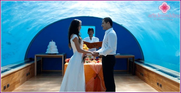 Marriage in an underwater Maldivian hotel