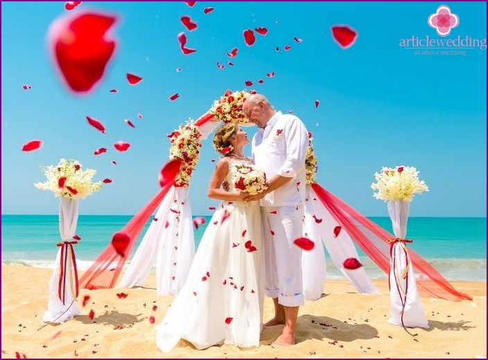 Symbolic wedding in Phuket