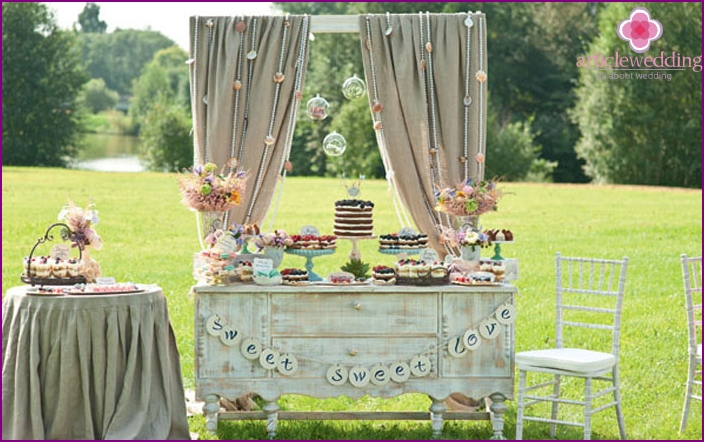 Small summer wedding