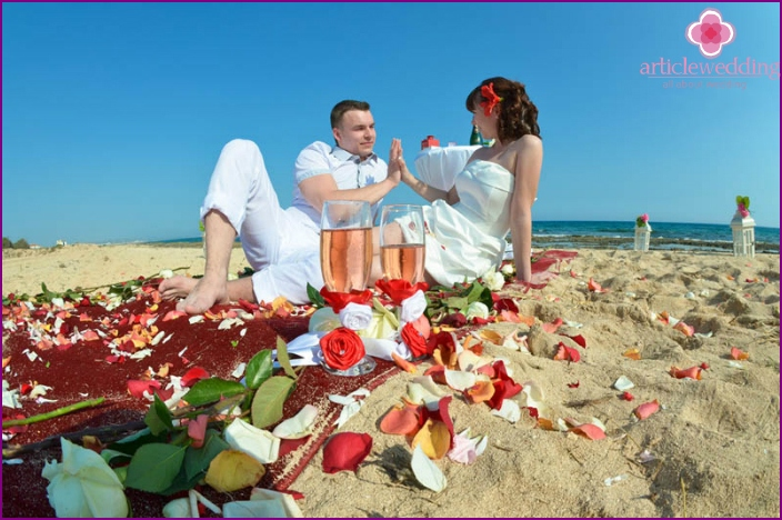 Symbolic wedding ceremony in Cyprus