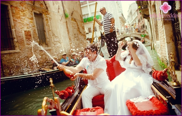 Wedding for lovers in Venice