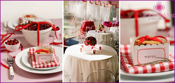 Decoration of wedding tables with red accents