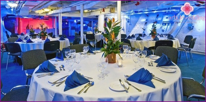 White and Blue Banquet Hall for a Wedding