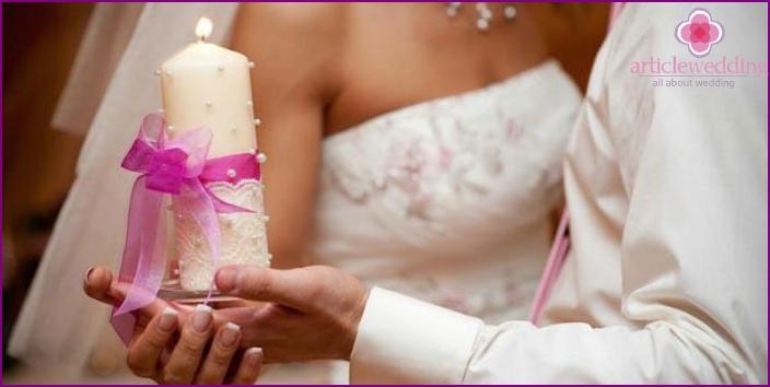 Ukrainische Hochzeitstradition - Übertragung des Familienherds