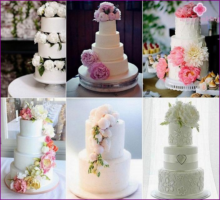 Wedding cake with live peonies