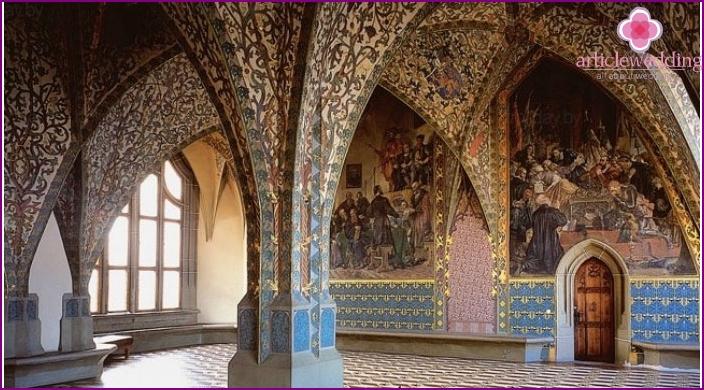 Sisätilat keskiaikaisen linnan häät