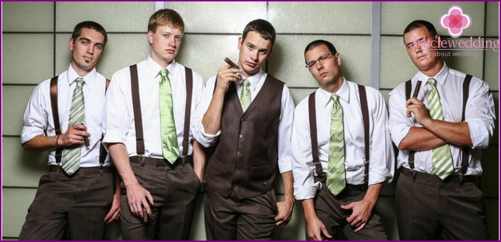 Stylish image of a Chicago groom with friends
