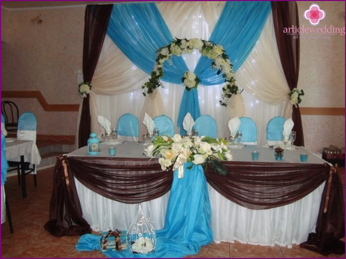 Wedding decoration in turquoise-chocolate color