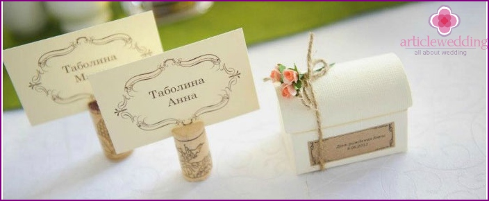 Seating cards for a banquet
