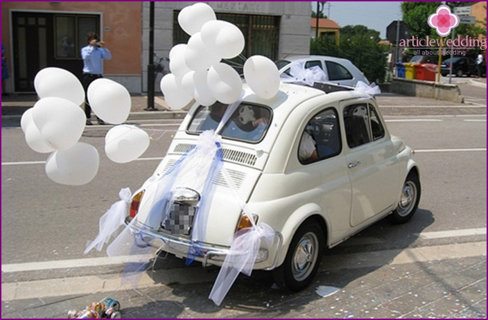 Balloons for decorating a wedding car