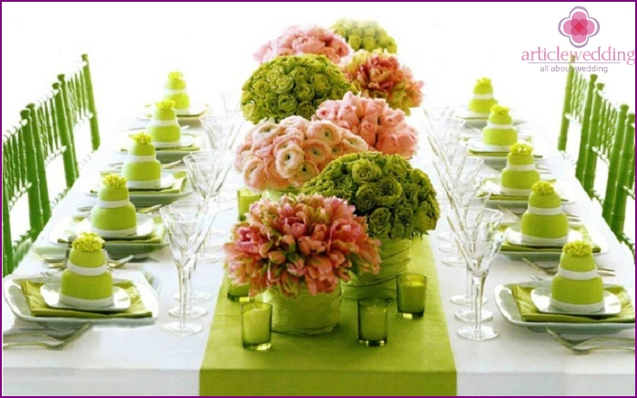 A good idea for decorating a wedding table
