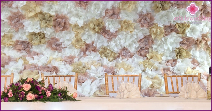 Wall of flowers for a wedding