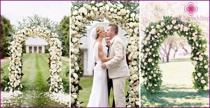 Types of wedding arches with white roses
