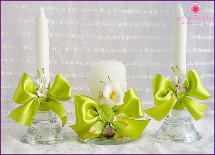 Materialien zum Dekorieren von Kerzen