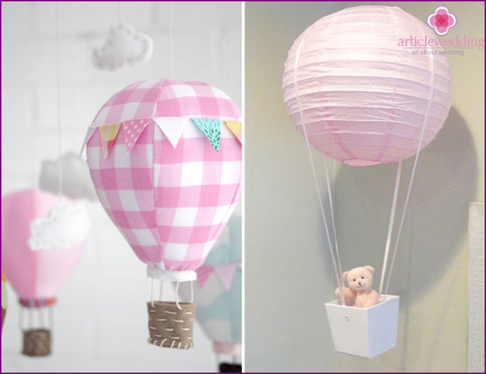 The decor of the future spouse's entrance with balloons