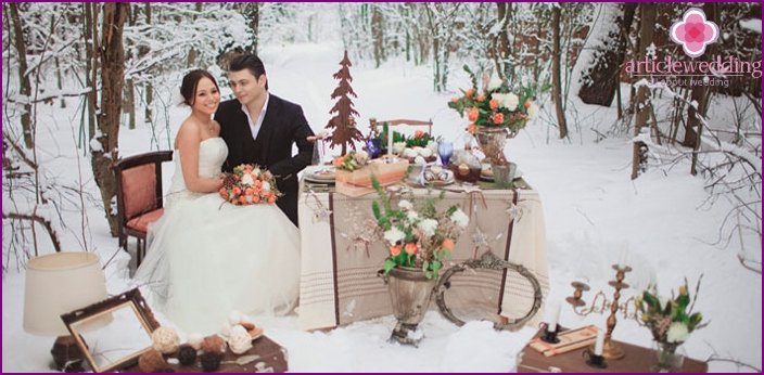 Winter feast in nature for a wedding photo shoot
