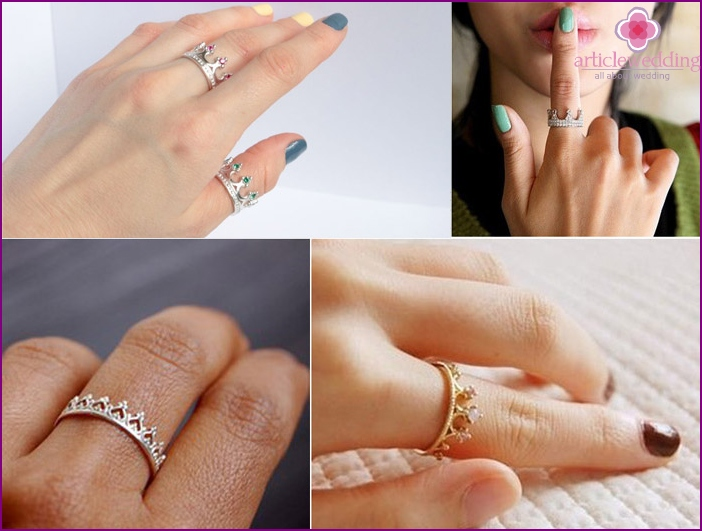 Signet ring on the hand