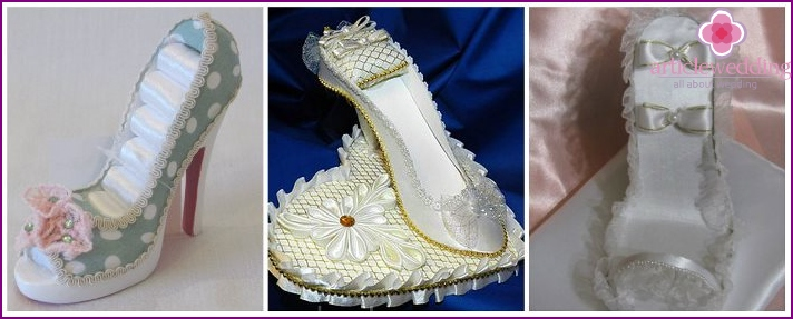 Shoe holder for wedding rings